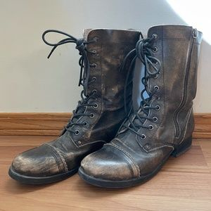 Brown leather combat boots. Size 7